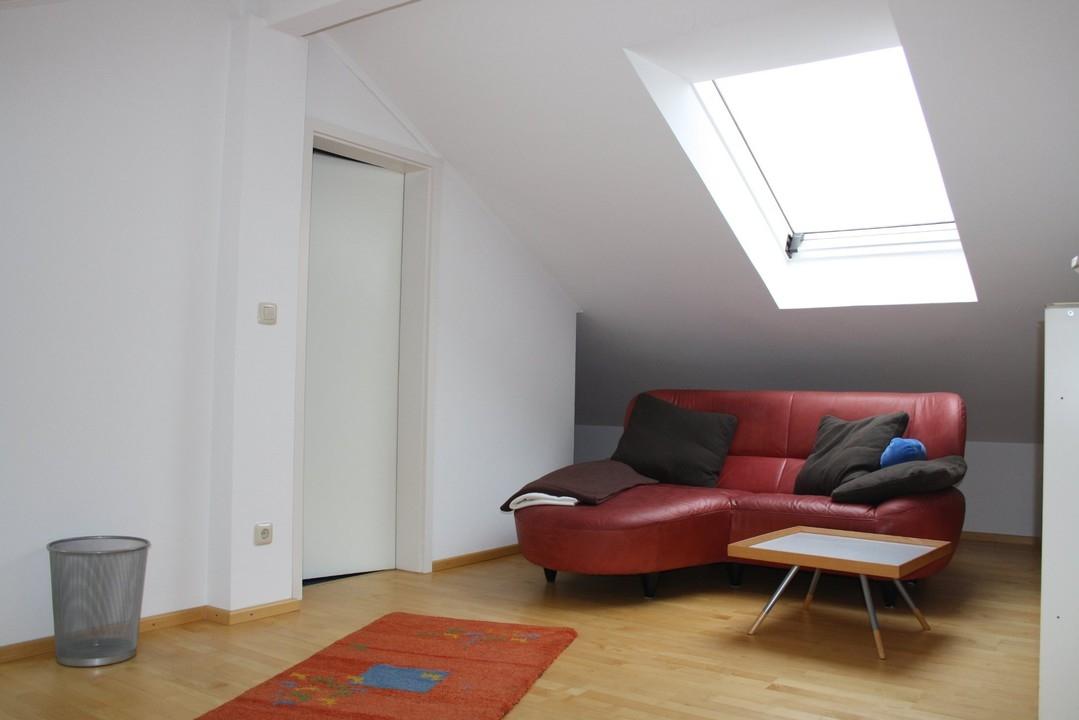 +VERMIETET + helle Maisonettewohnung zum Wohnen und Arbeiten
